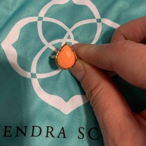 Kendra Scott Daisy Ring in Coral and Gold- Size 7